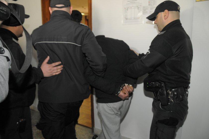 Арестуваха 83-годишен дядо за убийство