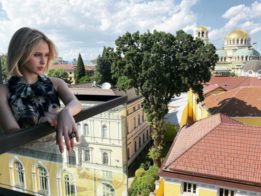 Мария Бакалова рекламира България в мрежата