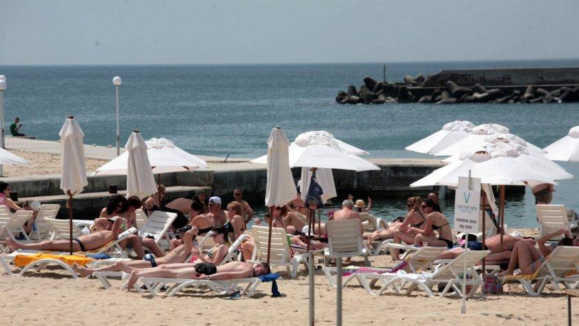 Меркел спасява туризма по Черно море