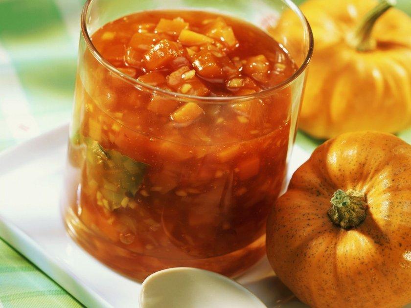 Зазимяване с Lupa.bg: Тиквено чътни с домати