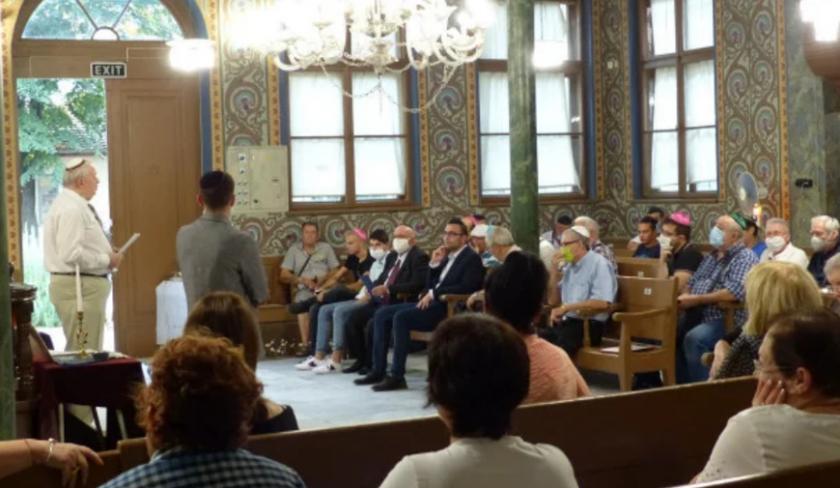 Евреите празнуват деня Йом Кипур