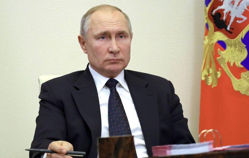 Коронавирус повали обкръжението на Путин