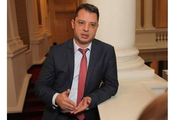 Делян Добрев: Цените на тока и парното ще скочат с много