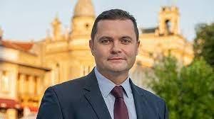 Червен кмет пристана на ИК за Радев