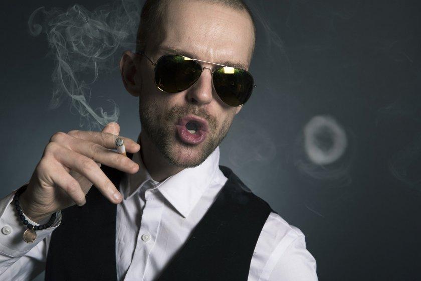 Японски учени: Цигарите убиват Covid-19