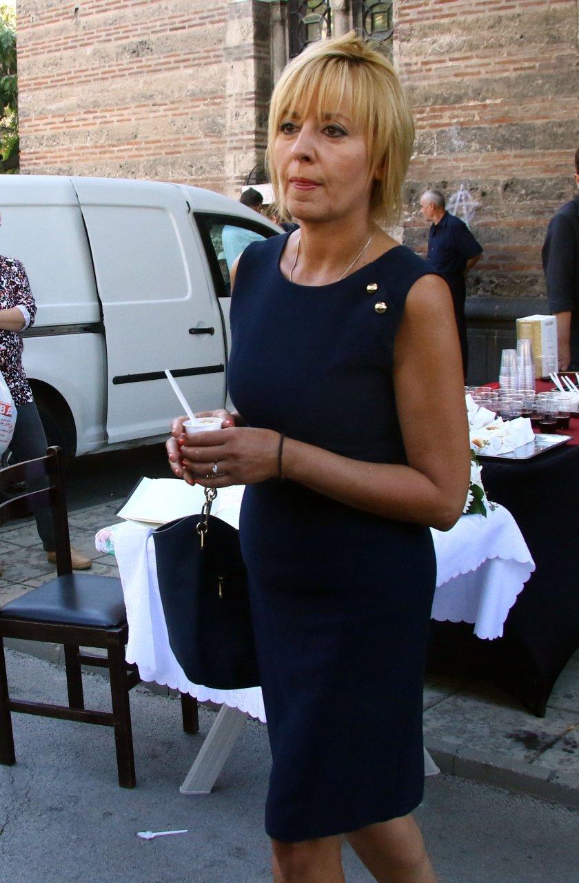 Мая Манолова вече има номинация за кмет на София
