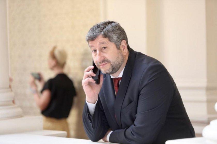 Христо Иванов гневен: ЦИК се опита служебно да елиминира ДБ от вота