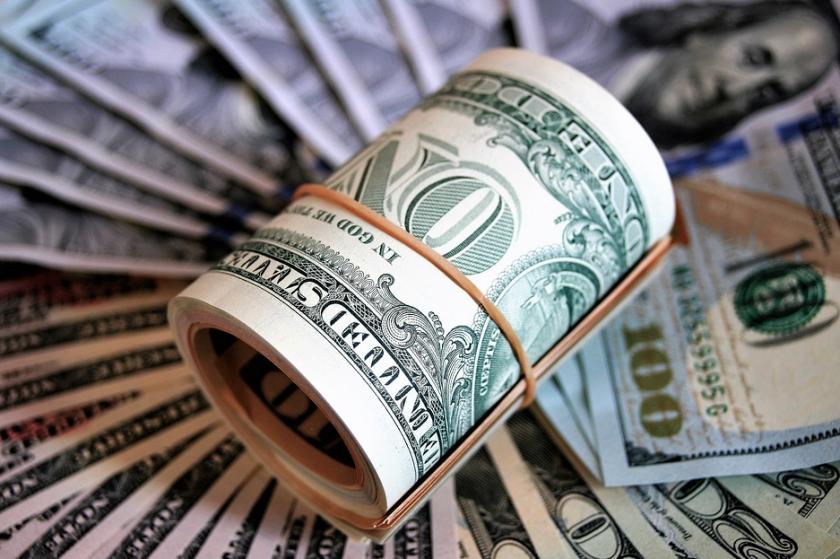 Заради Covid: Нашите в чужбина пращат 7 пъти по-малко пари