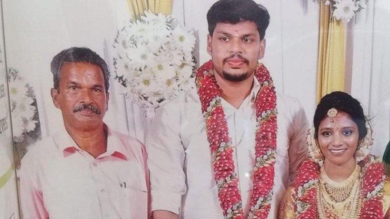 Индиец уби жена си с кобра