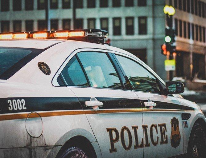 Загинал полицай и ранени при стрелба в Хюстън
