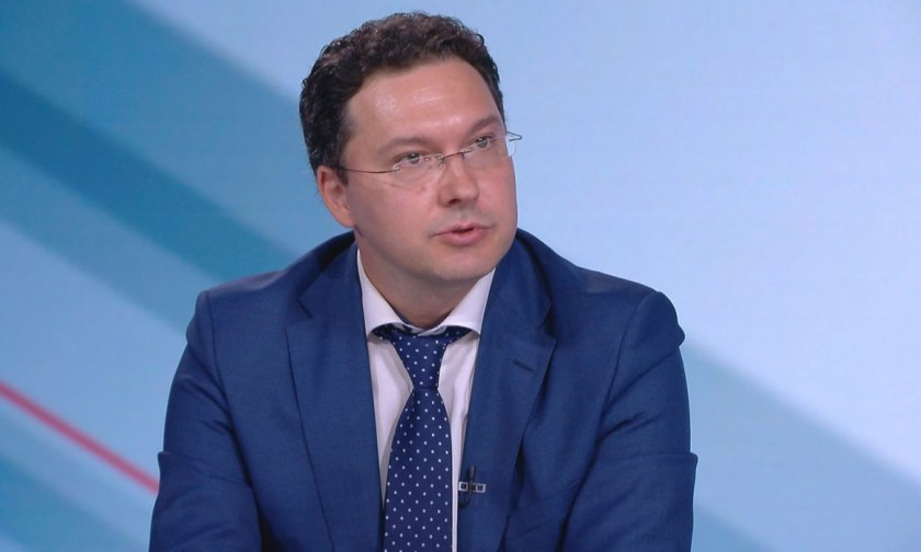 Даниел Митов: Служебното правителство е некомпетентно