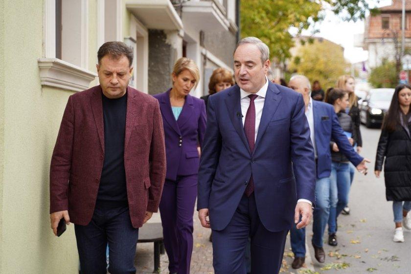 Проф. Герджиков: Румен Радев да поеме отговорност за здравната криза, която се допусна