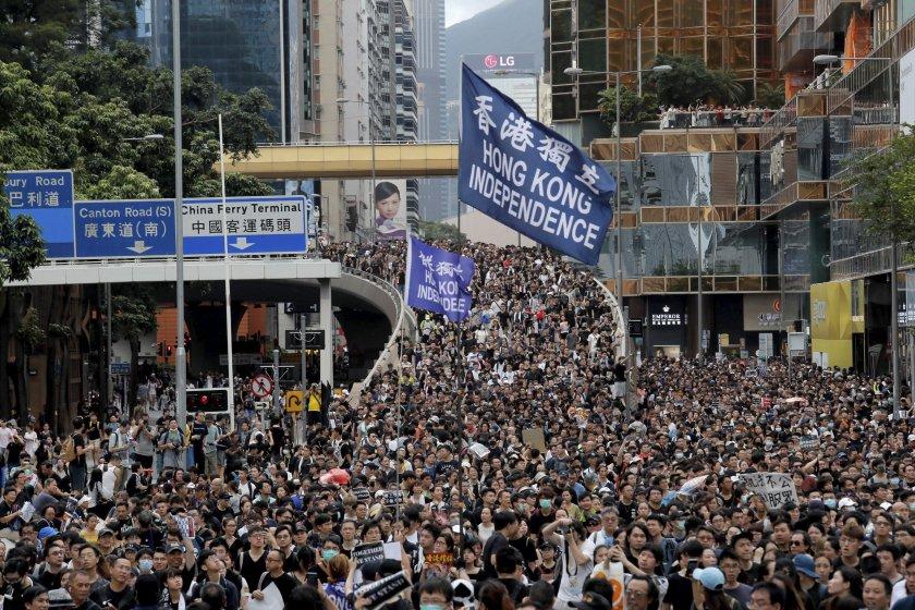 Китай с извънреден план за хаоса в Хонконг