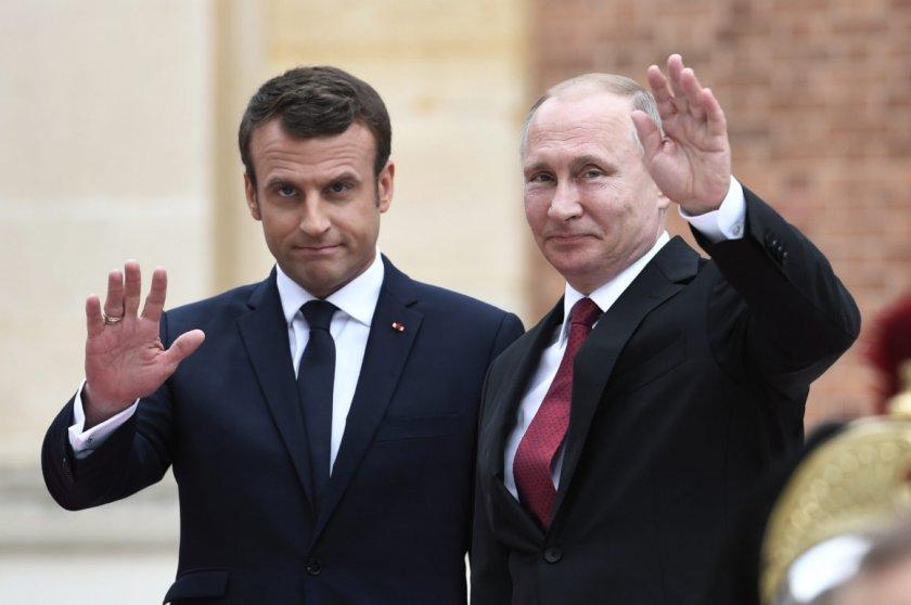 Макрон се обърна към Путин за помощ