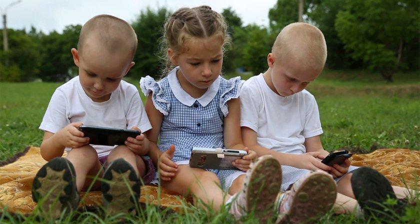 Откриха шокиращ ефект на смартфоните върху децата