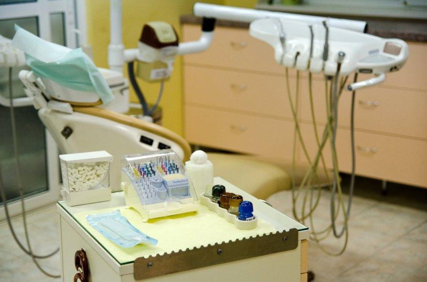 Лекари извадиха 526 зъба от устата на 7-годишно момченце