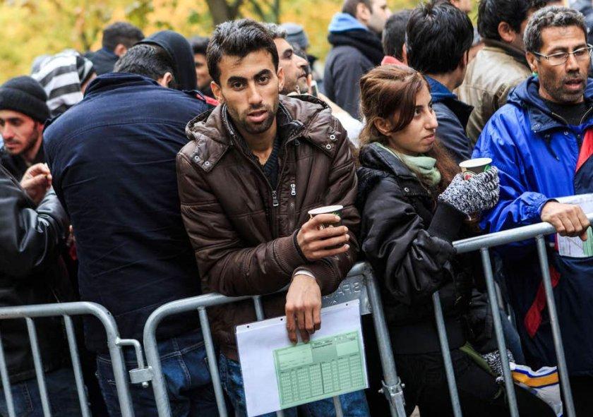 В Берлин обучават бежанците на сексуалните нрави