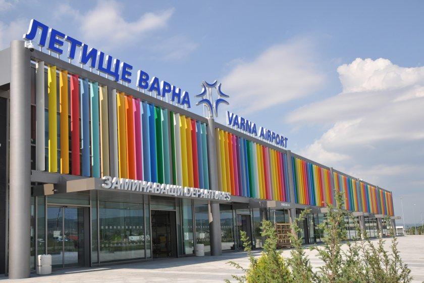 """Хванаха заразен с морбили на летище """"Варна"""", търсят още"""
