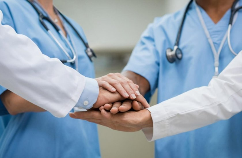 Бъдещи лекари с договор за работа още в началото на следването