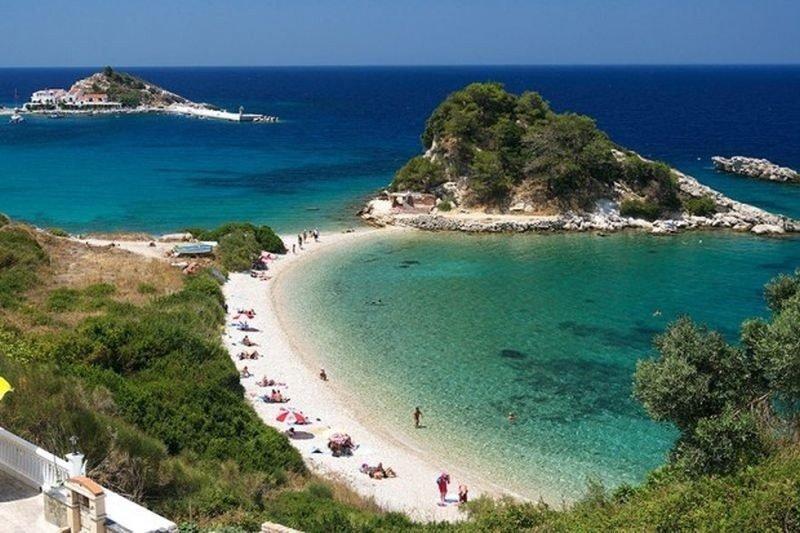 Българи бедстват на гръцки остров