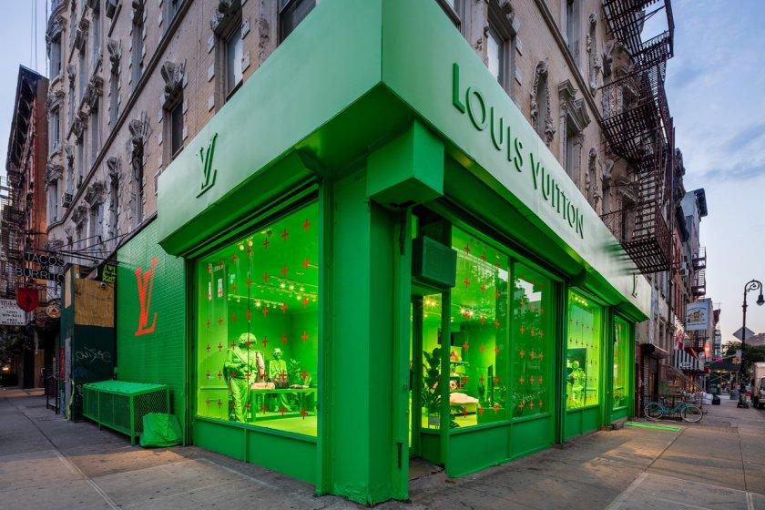 Луи Вютон светна в неоново зелено
