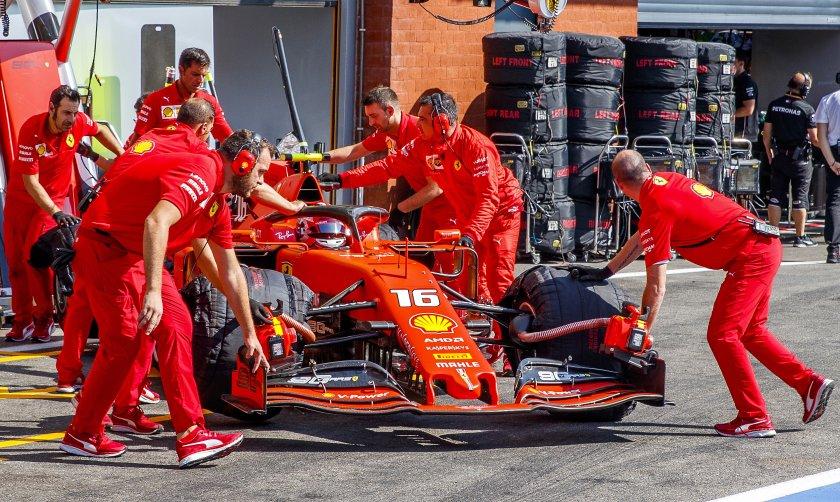 Льоклер спечели квалификацията, с Фетел окупираха първата решетка за Ферари