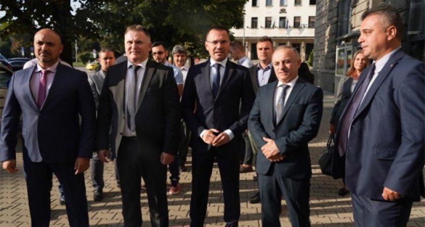 ВМРО се регистрираха за местния вот в последния момент