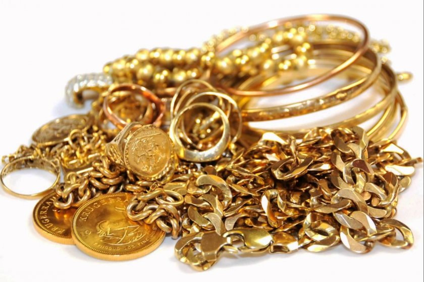 """2 """"врачки"""" откраднаха злато за 3 бона от млада жена"""