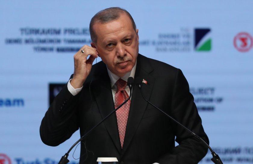 Вече се вижда с просто око: властта на Ердоган се разпада