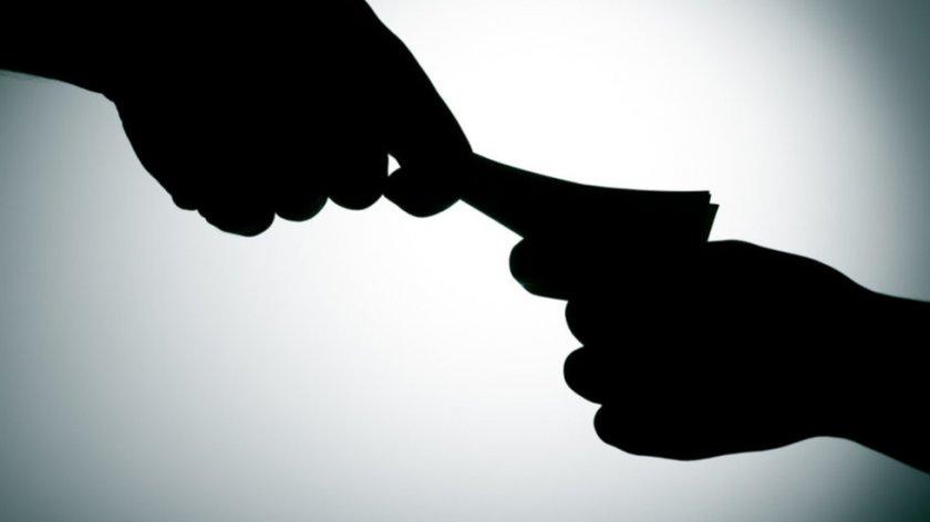 Арестуваха пияна шофьорка, опитала да подкупи полицаи