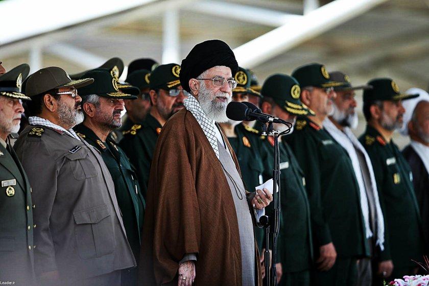 Хаменей одобрил атаката срещу Саудитска Арабия