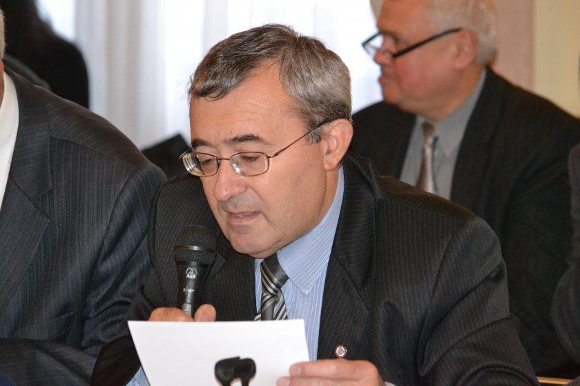 Проф. Николай Слатински: Властта често говори чалга