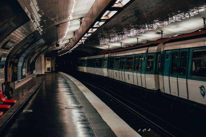 Влак без машинист ужаси Париж