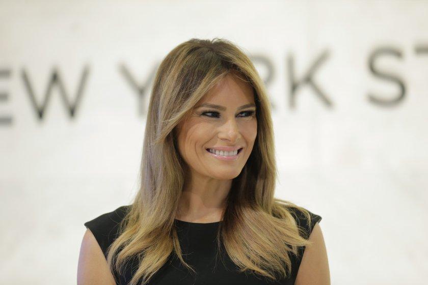 Мелания Тръмп показа сексапил в Ню Йорк (СНИМКИ)