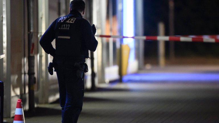 Мъж стреля по минувачи в Германия