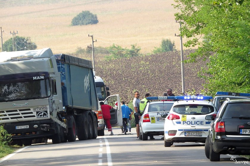 Катастрофа със загинал затвори пътя Попово-Бяла