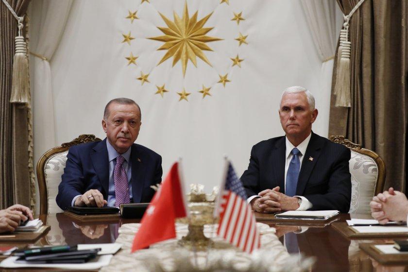 Турция в готовност: Ще създава зона за сигурност в Сирия