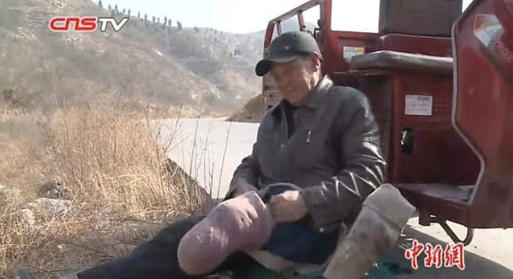 За пример: Китаец без крака засади 17 000 дървета!
