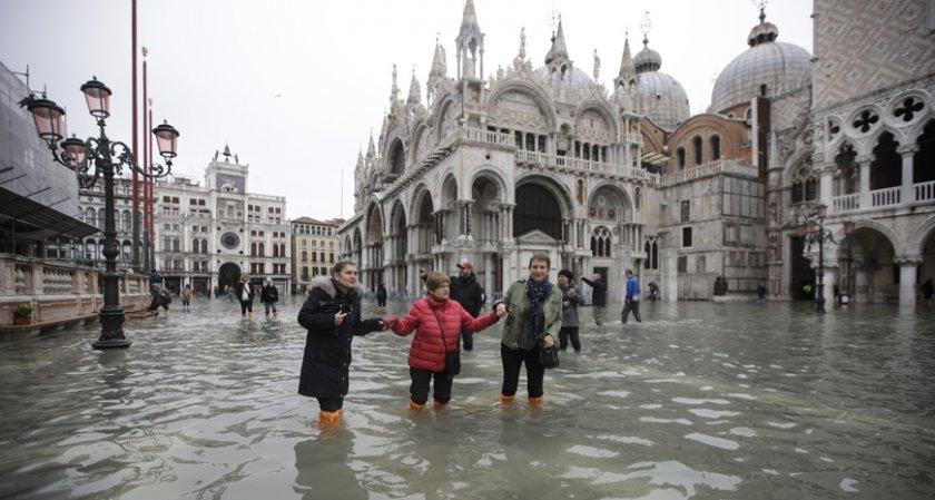 За стотици милиони са щетите от наводненията във Венеция