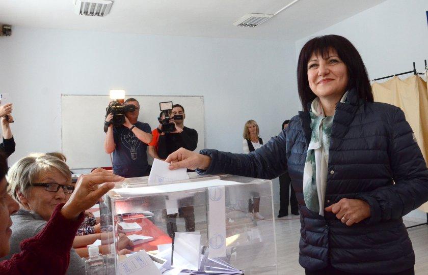 Цвета Караянчева: Преди 30 години имаше обещания, сега правим равносметка на мечтите си