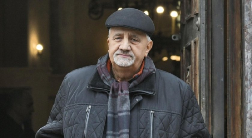 Муравей отсече: На 10 ноември едни комунисти смениха други