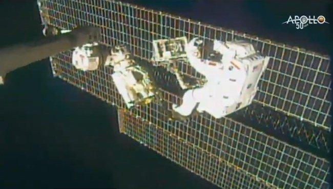 Астронавтите Пармитано и Морган с успешна мисия в Космоса
