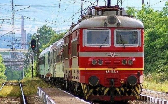 БДЖ ремонтира 10 влака за 20 млн. лева