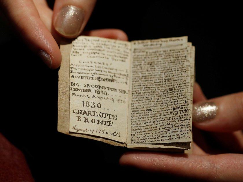 Книга, написана от Шарлот Бронте, беше продадена за 860 хиляди долара