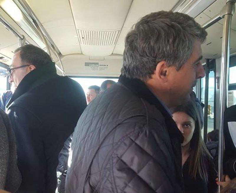 Интересна снимка! Двама президенти в един рейс