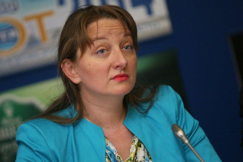 Деница Сачева става социален министър?
