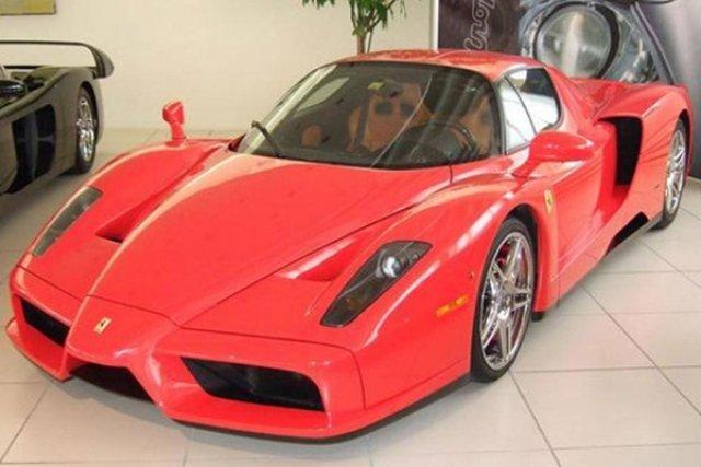 Продадоха за $5,9 млн. червеното Ферари на Шумахер