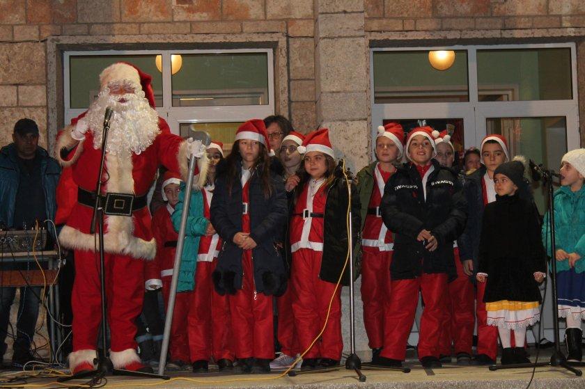 Дядо Коледа пристигна в Добрич