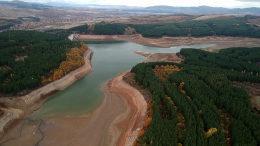 Затягат водния режим в Перник