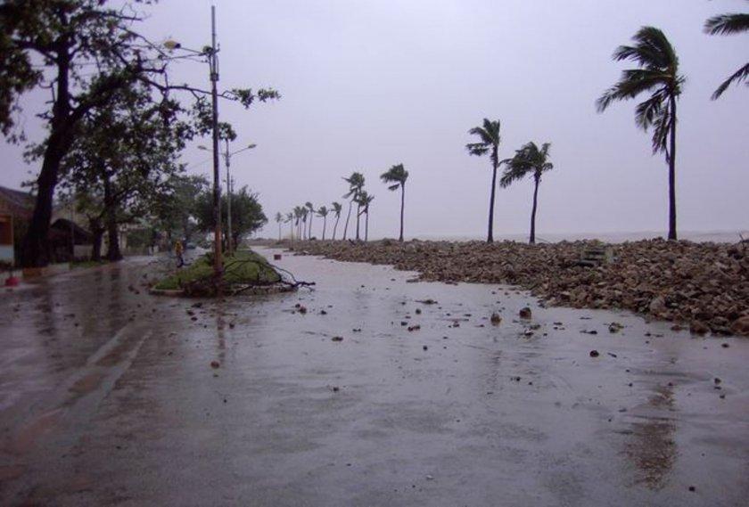 Циклон удари Мадагаскар, двама загинаха